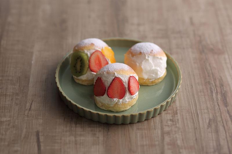 いま、山形で人気急上昇! マリトッツォは丸いパンに生クリームを挟んだ、シンプルなスイーツ。